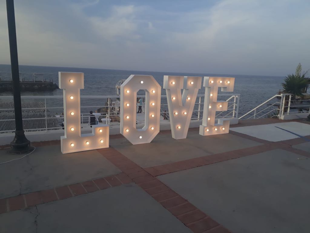 decor weddings in north cypruslove letters